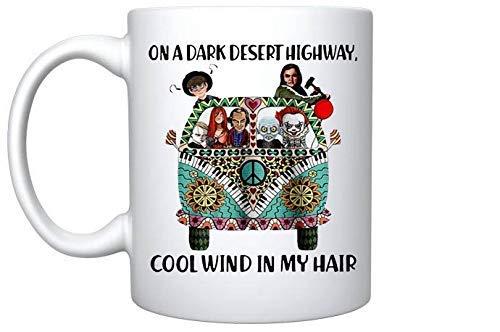 En una oscura carretera del desierto, viento fresco en mi cabello Personajes de Stephen King...